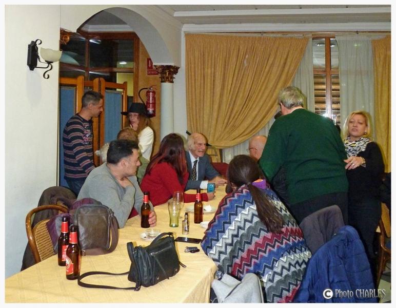 Cafe Ovni Valencia fiesta ovnispain Muestra del misterio (25)
