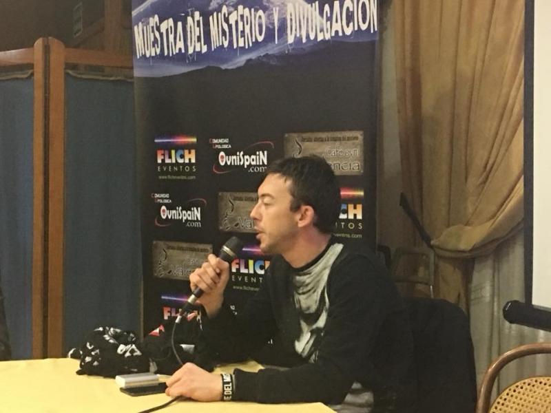 Cafe Ovni Valencia fiesta ovnispain Muestra del misterio (67)